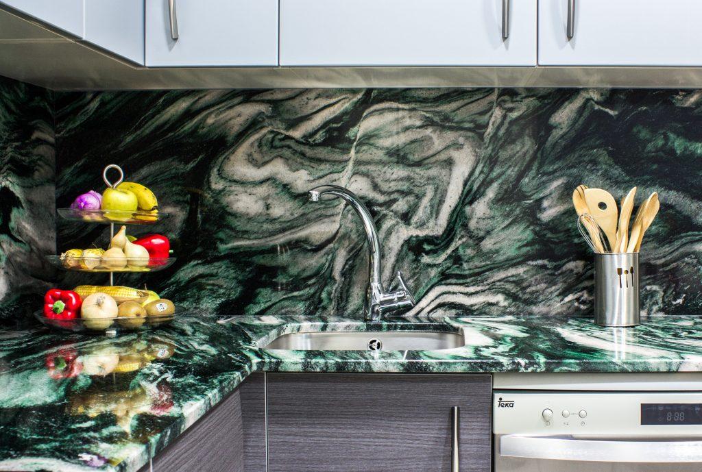 granito verde laponia